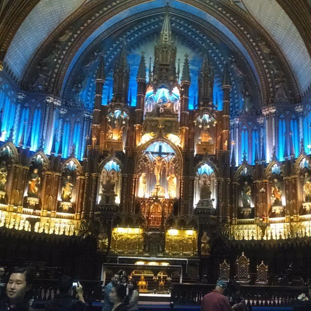 Basilique Notre-Dame in Montreal #montreal #canada #church #stunning #basiliquenotredame #travel #girlstrip #sightseeing #prayer